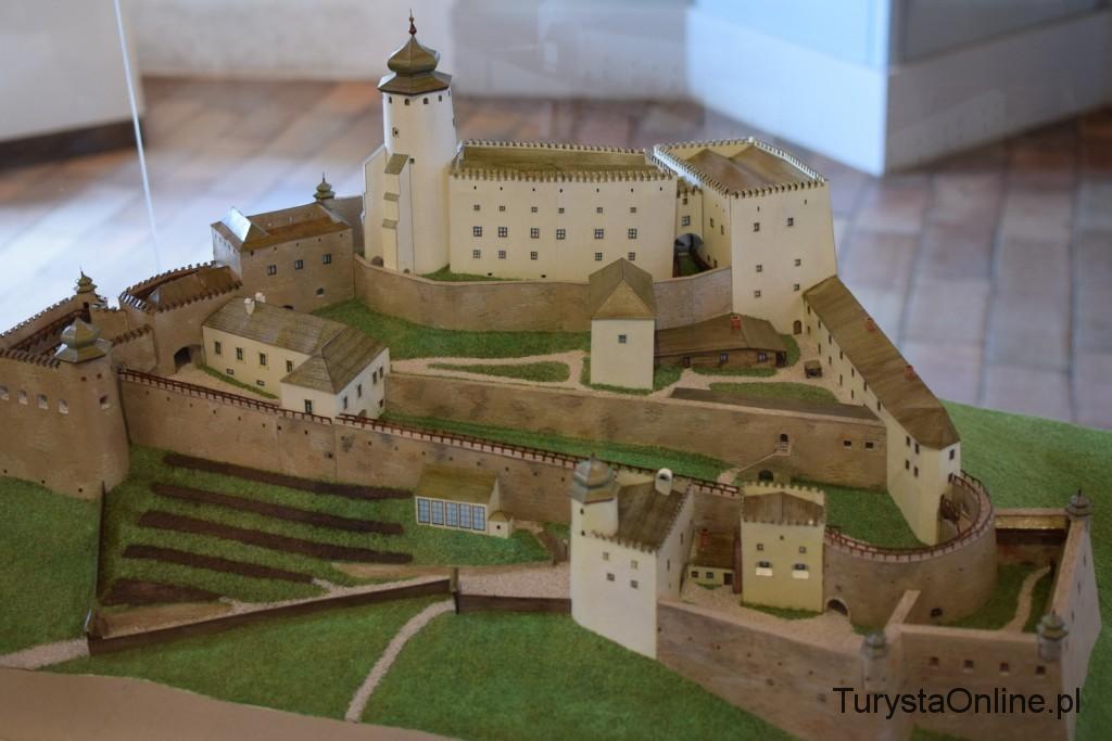 Turystaonline.pl Zamek Lubowla (4)