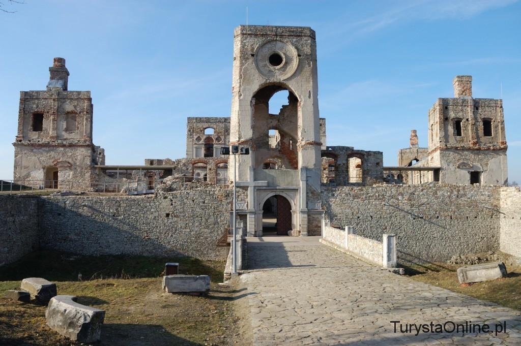 turystaOnline.pl Zamek Krzyżtopór w Ujeździe 1