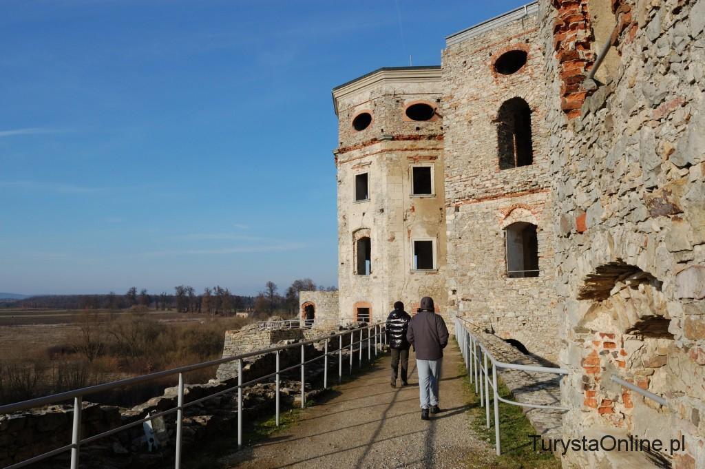 turystaOnline.pl Zamek Krzyżtopór w Ujeździe 12