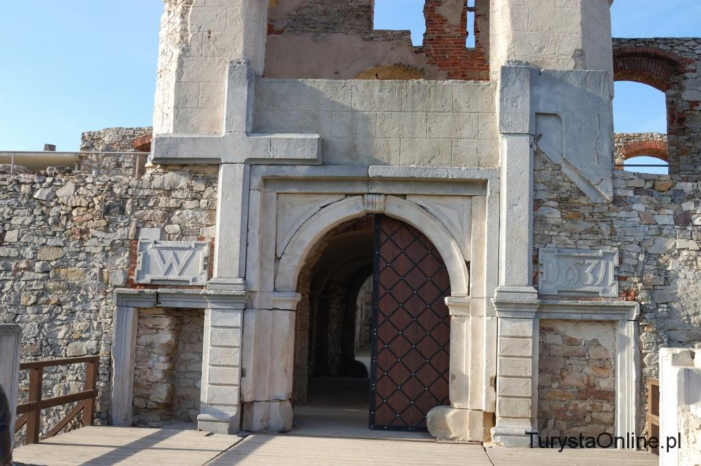 turystaOnline.pl Zamek Krzyżtopór w Ujeździe 2