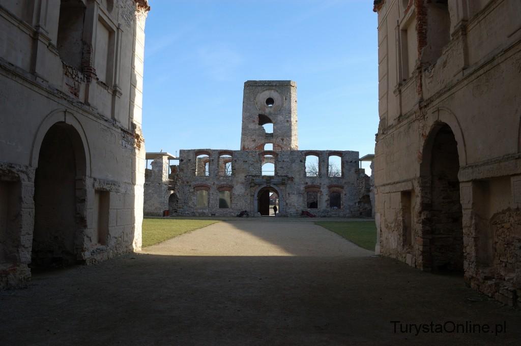 turystaOnline.pl Zamek Krzyżtopór w Ujeździe 9