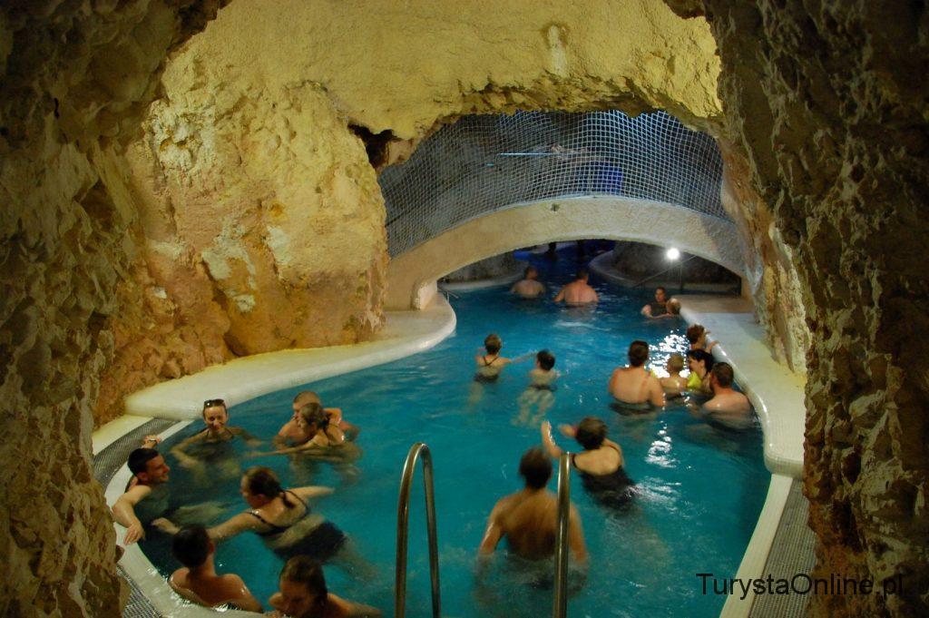 Cave bath Miskolctapolca (11)