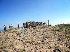 Charakterystyczny mur na szczycie Babiej Góry